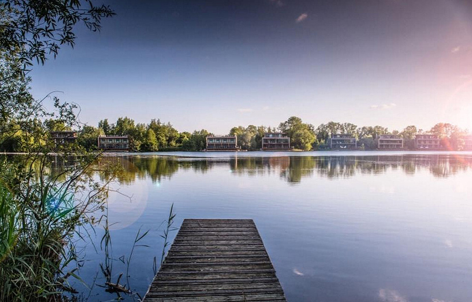 The Cotswold Water Park ideal for watersports, walking ...